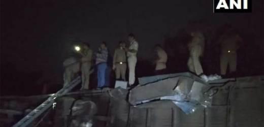कानपुर में देर रात पूर्वा एक्सप्रेस के 12 डिब्बे पटरी से उतरे, 100 घायल