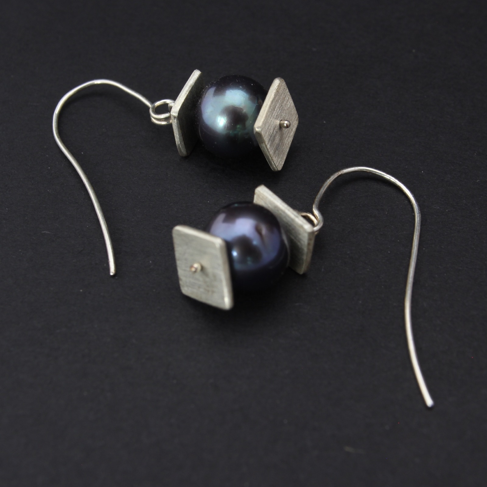 Silver Lantern Earrings with Black Pearl  Balliet