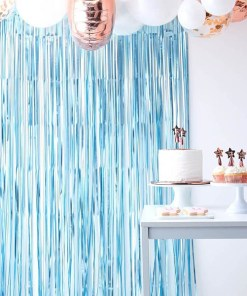 Fransenvorhang, Folie satin-hellblau, B 1 x L 2,5 m, Dekobeispiel