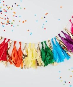 Qasten-Girlande, 19 Quasten, Papier Regenbogenfarben Folie gold, H 20 cm 1,5 m, Beispielbild