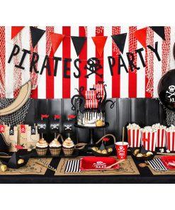 Buchstabengirlande ''PIRATES PARTY'' und Totenkopf, schwarz, 14 x 100 cm, Dekobeispiel