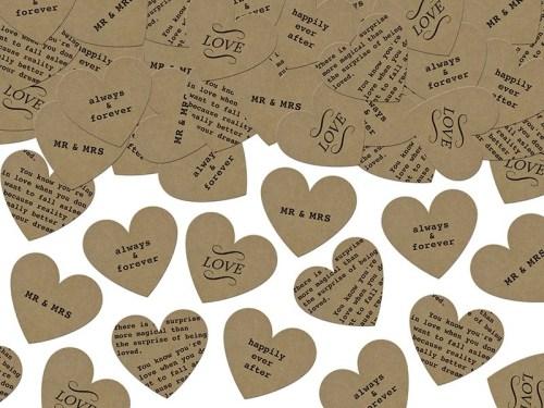 Χάρτινες Καρδιές με μηνύματα αγάπης.