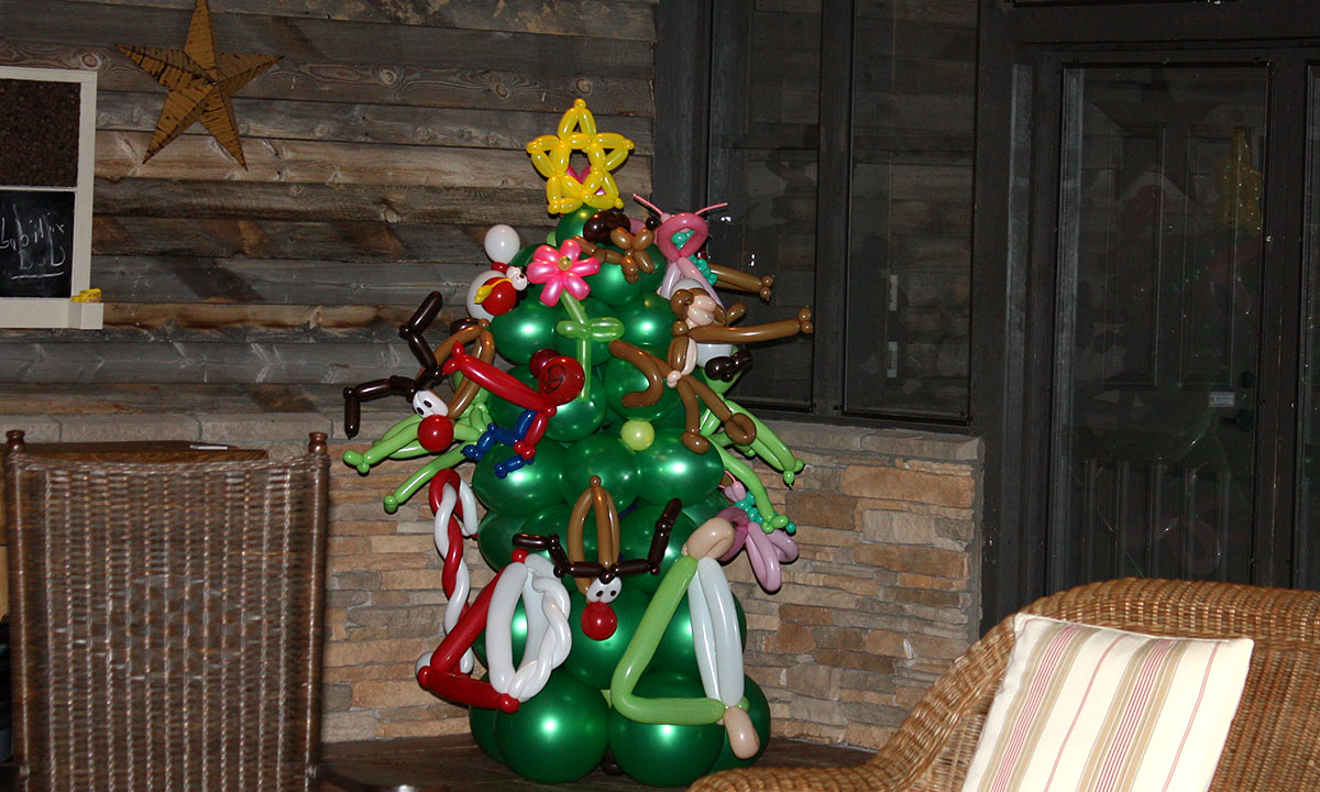 Christmas Balloonopolis Giving Tree, by Balloonopolis, Columbia, SC