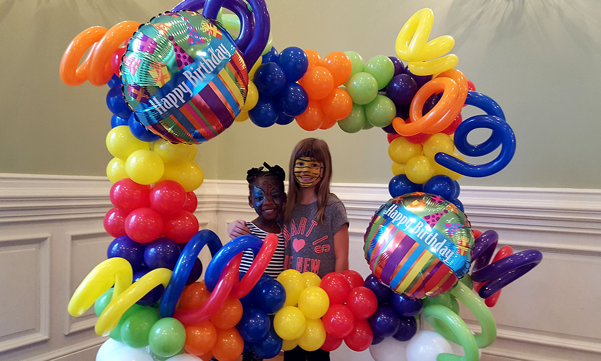 child's birthday party balloon photo frame, by Balloonopolis, Columbia, SC - Birthday Parties
