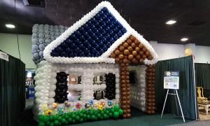 Wlk-thru balloon house - by Balloonoplis, Columbia, SC