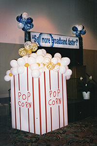 Movie theme balloon popcorn box