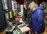 Press Eye © Belfast - Northern Ireland Photo by Freddie Parkinson / Press Eye © Thursday 1st June 2017 Ballyclare High School Art Exhibition. Holly and Joanne Brown