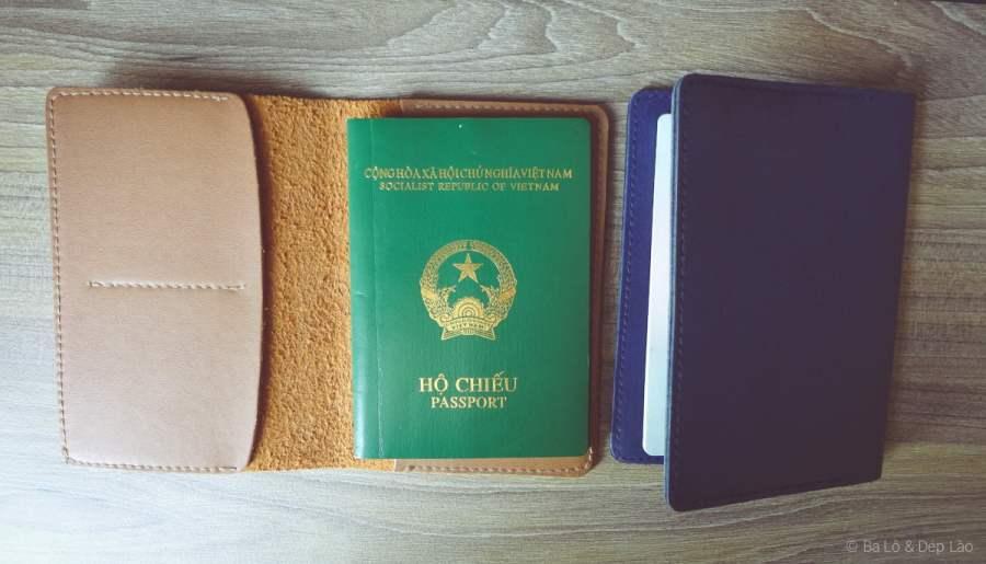 Bao da passport chất lừ mà giá chỉ khoảng 100k VND thôi nhe ;)