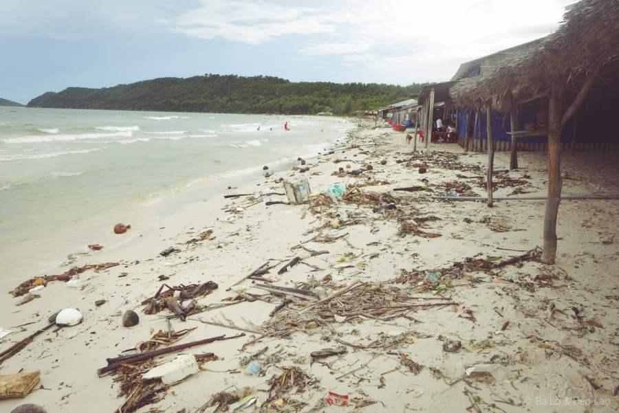 Rác thải trên bãi biển