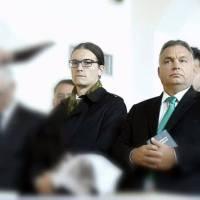 Dühöng Orbán: a gyermekeit megkeresztelő pap kellemetlen igazságokat mondott ki Orbánékról