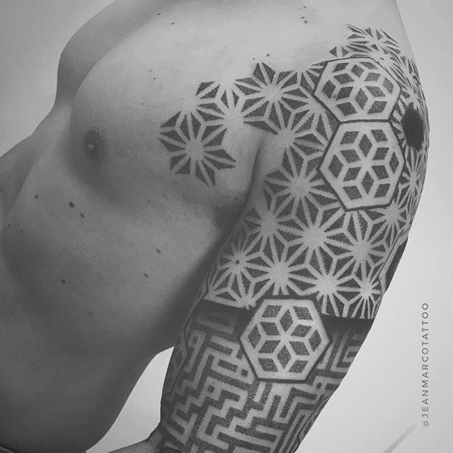 Geometria Y Dotwork Por Jeanmarco Baltasar Tattoo Studio