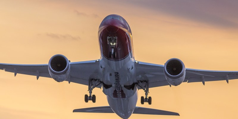 Airlines can achieve huge fuel savings simply by letting the optimisation services developed by AVTECH Sweden help aircraft avoid unfavourable winds in the atmosphere. No expensive new hardware is needed in the aircraft – all calculations are made on the ground, and the data is simply uploaded to the aircrafts' existing onboard equipment. Image from norwegian.com