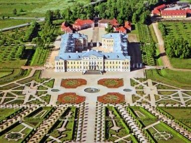 rundal- carste-Latvija