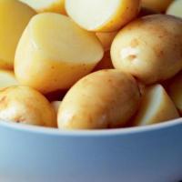 Bulvių valgymas su lupena – ar nepakenksime sau?