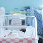 Будущие мамы бьют тревогу: в Латгалии негде рожать