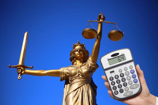 Не может быть! Суд признал, что прожить на 64 евро в Латвии  невозможно