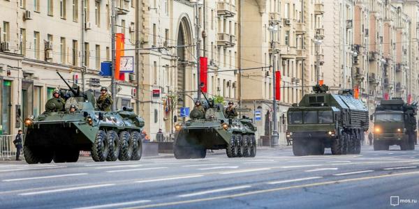 Гости из-за рубежа, ветераны и салют: как пройдёт парад Победы в Москве