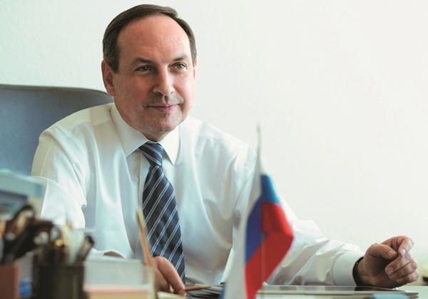 Вячеслав Никонов: Воспитанием молодёжи  нужно заниматься комплексно
