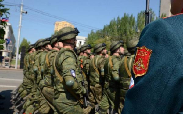 Парад в честь юбилея Победы состоялся в Луганске и Донецке