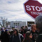 Белую Америку вынудили голосовать за Трампа