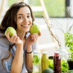 Что будет с организмом, если есть яблоки каждый день? Польза и вред, мнение диетолога