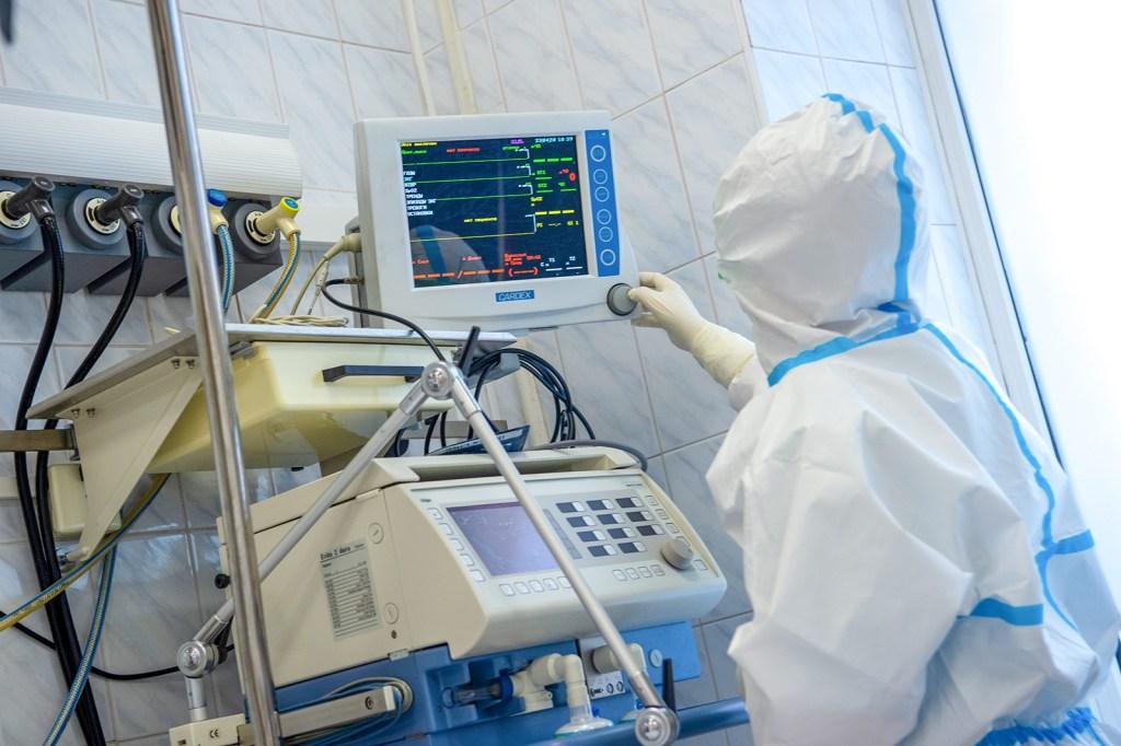 Это подвиг медицинских работников: Сергей Собянин — о спасении пациентов с COVID-19