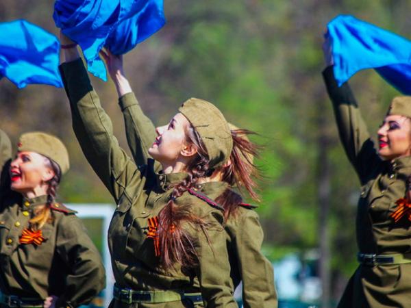 Юбилей Победы в Сирии отметили концертом и акцией «Бессмертный полк»