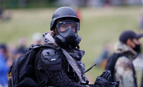 The Washington Post США : пока протесты расползаются по малым городам США, праворадикалы угрожают в ответ оружием и постами в интернете