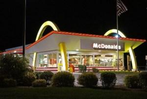 На Украине призвали бойкотировать «Макдоналдс», отказавшийся от обслуживания на русском языке