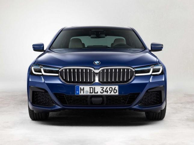 Новые BMW 5 серии и 6 серии GT доступны для заказа в России