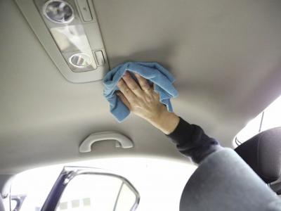Торнадо в машине, или Как почистить потолок автомобиля