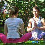 В парках открывается сезон бесплатных занятий йогой