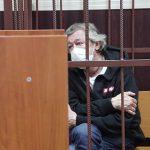 В попытке суицида Ефремова засомневались