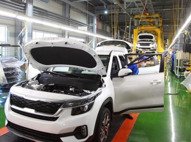 Выпуск легковых машин в апреле упал на 79%
