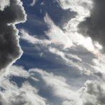 Грозовые облака с запада принесут в Латвию новые ливни с градом