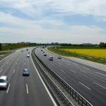 Эксперт в пух и прах разбил идею строительства в Латвии скоростных шоссе