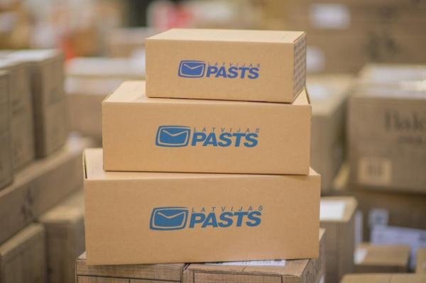 Latvijas pasts будет пересылать посылки из почтовых отделений в пакоматы