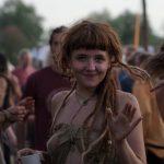 Волости Антсла рекомендуют запретить лагерь хиппи: в чем суть