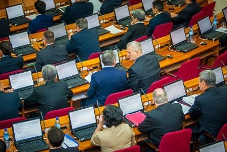 Минтруд создаст законопроект о соблюдении чиновниками языковых норм