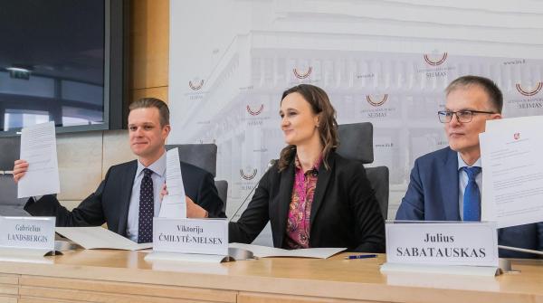 Политики Литвы призывают к санкциям ЕС в отношении властей Беларуси