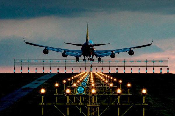 Россия начнет снимать ограничения на международные полеты с 15 июля