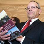 В Латвии не желаемы! Кирштейнс заподозрил чернокожих в плохой наследственности
