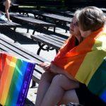 Быть или нет однополым бракам в Латвии: что думают жители