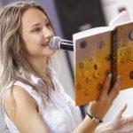 Участница из Грузии выиграла зарубежный этап чемпионата по чтению вслух «Открой рот»