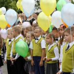 Синоптики рассказали, как одевать детей 1 сентября