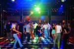 Танцы с котлетой: национальные особенности развлечений в Латвии