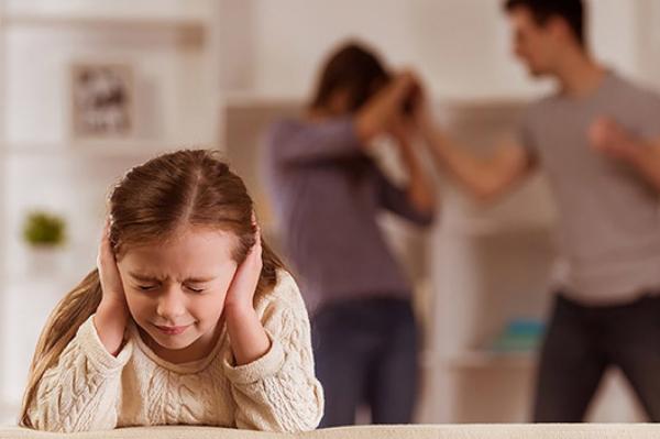 Насилие в семье: где искать поддержку детям и родителям?