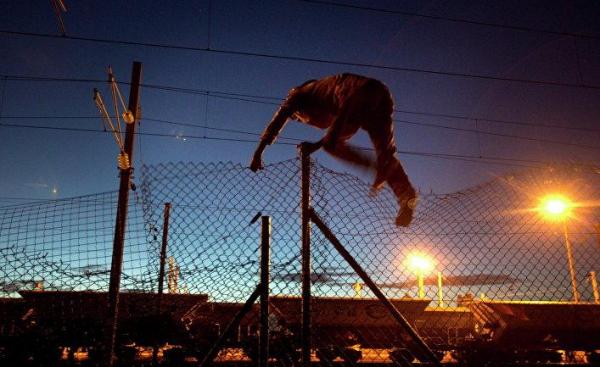 Гетто невидимок: они скрыты от глаз, но с высоты птичьего полета палаточные городки нелегалов в Европе производят ужасающее впечатление LEspresso, Италия