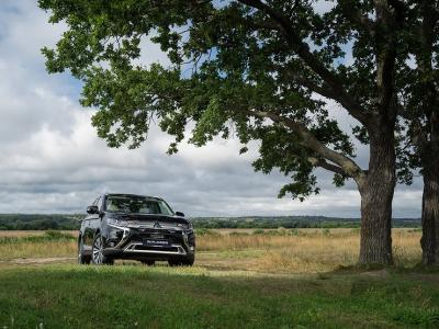 Черный русский: первый тест-драйв Mitsubishi Outlander Black Edition