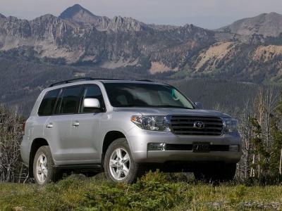 Какие проблемы таит в себе подержанный Toyota Land Cruiser 200